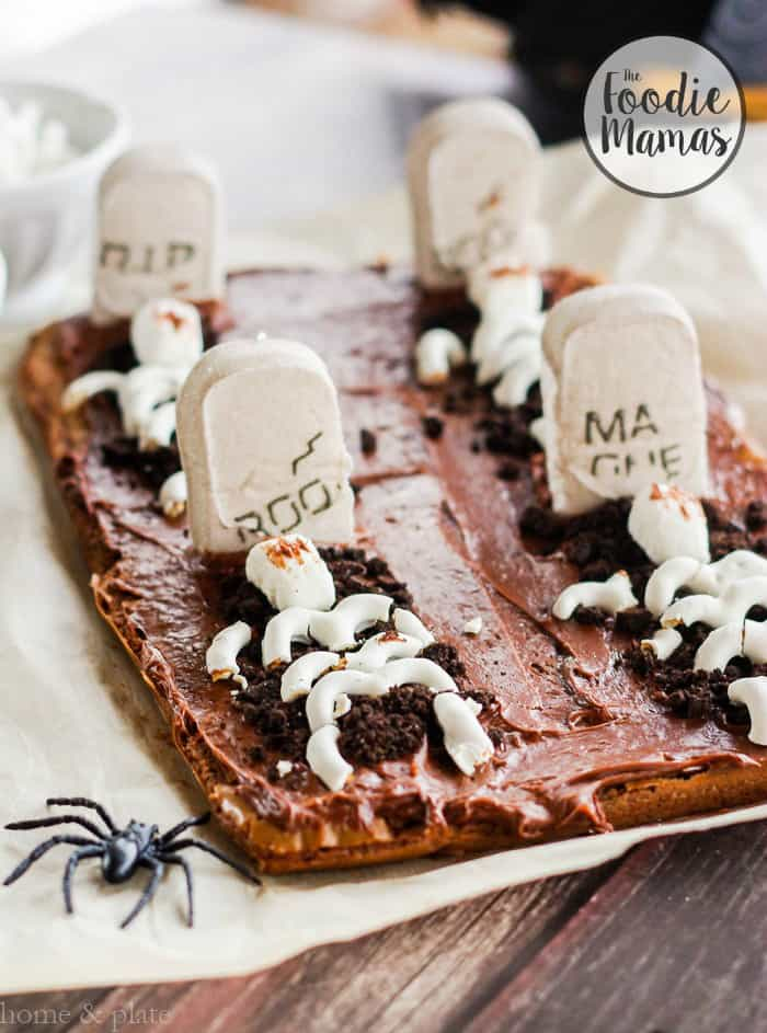 Graveyard brownies plus 4 more fun, family friendly Halloween treat recipes from The Foodie Mamas! Sure to make your Halloween party the best on the block!