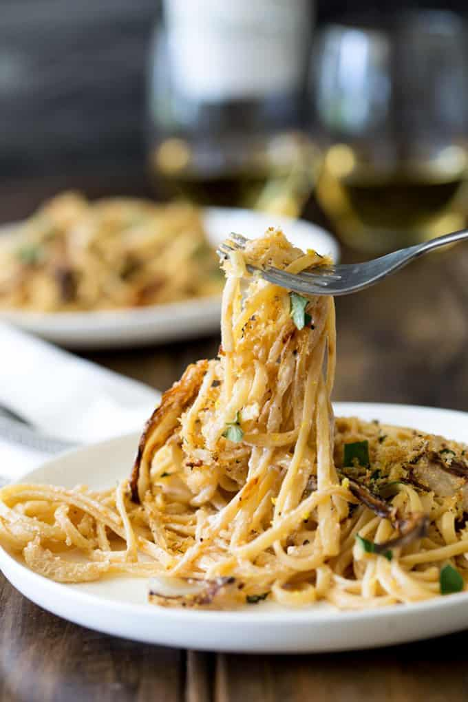 Pasta with roasted fennel + 15 Farmers market recipes to make in February! Delicious, winter, (mostly) healthy recipes made with fresh, seasonal produce from your local farmers market or CSA bin. Eat local!