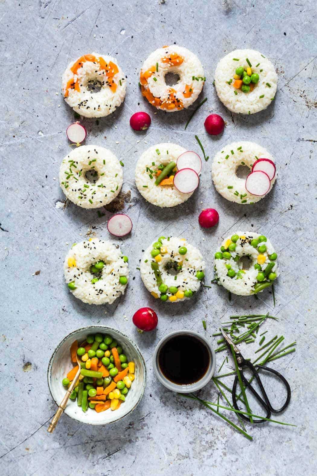 Vegetable sushi donuts