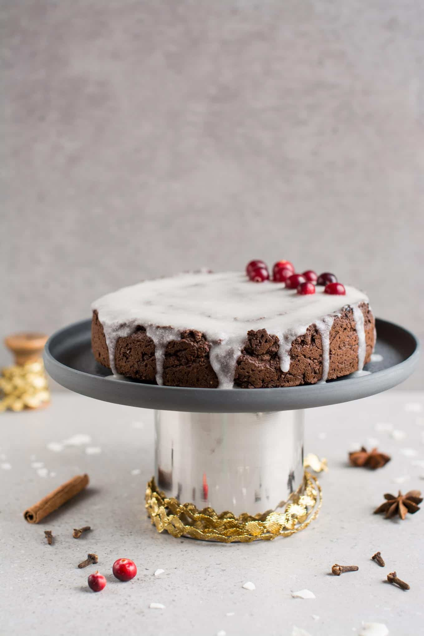 vegan gingerbread cake