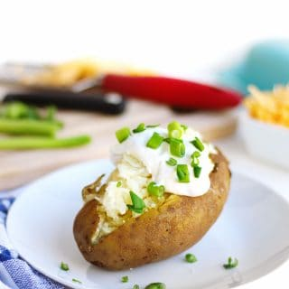 instant pot baked potatoes with sour cream and chives