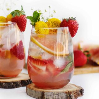 grapefruit strawberry mojito