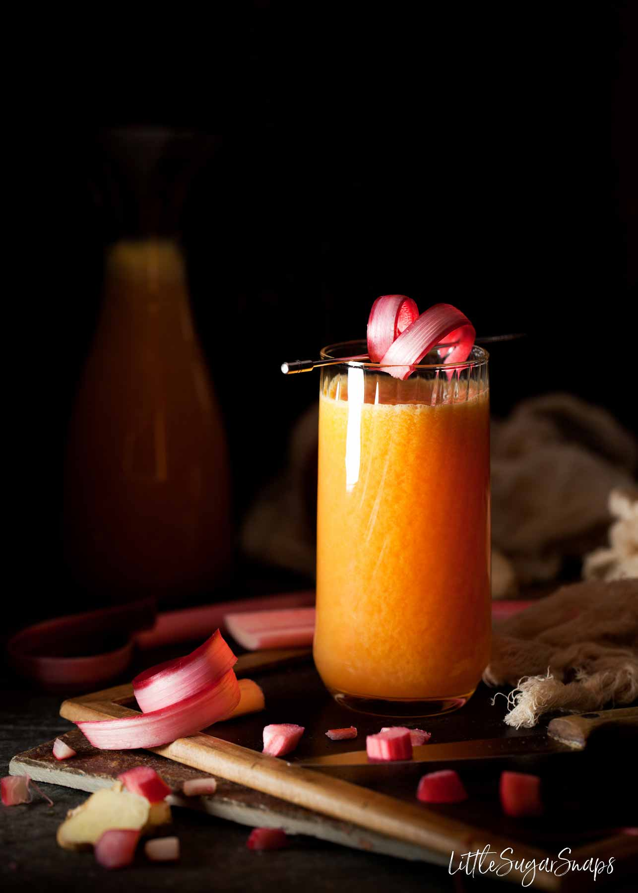 rhubarb juice with ginger