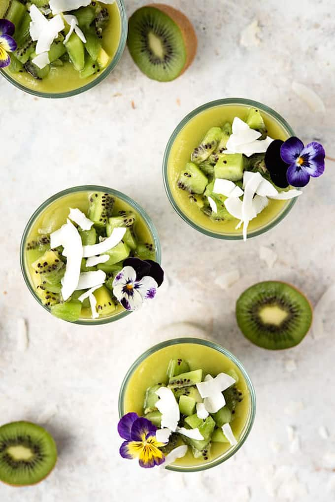 Kiwi chia pudding with coconut