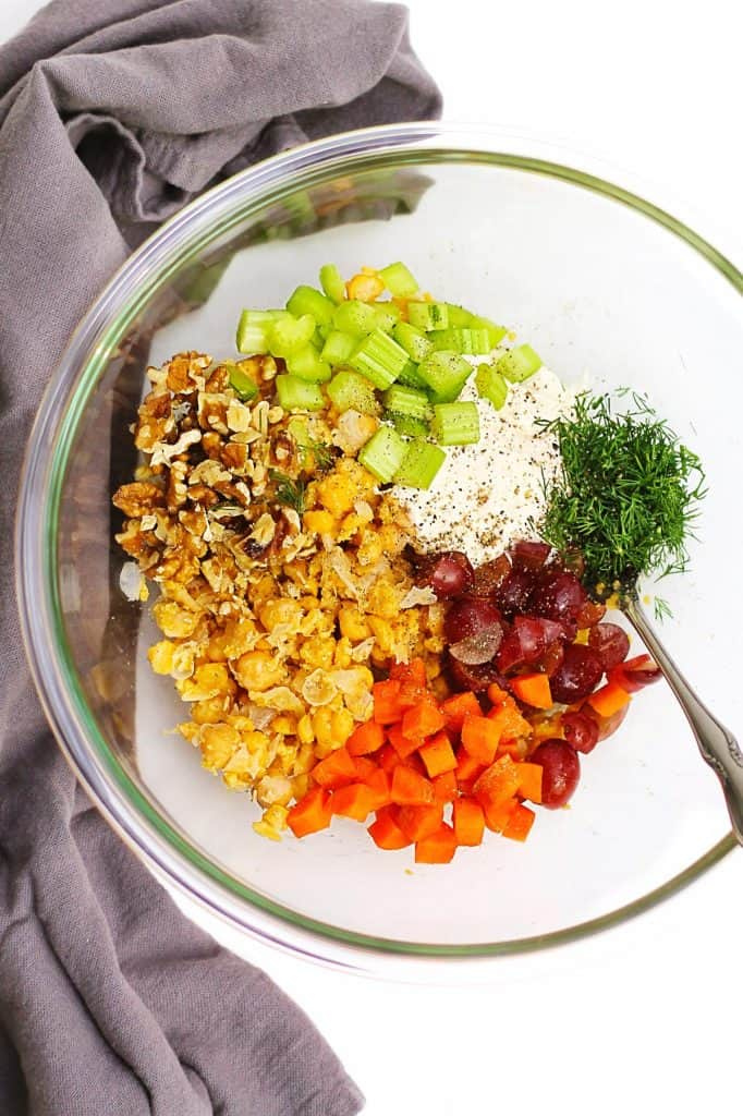 smashed chickpea salad ingredients
