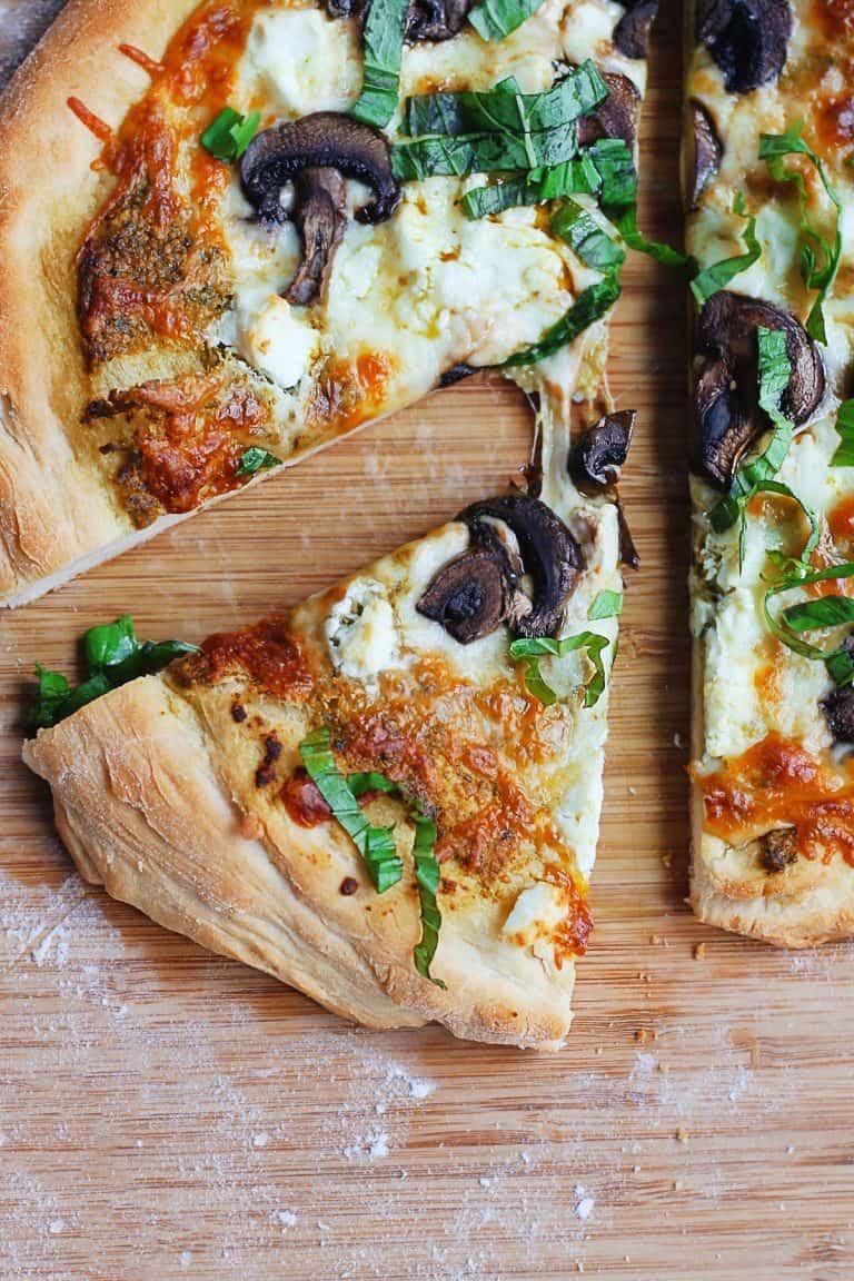 homemade mushroom pesto pizza