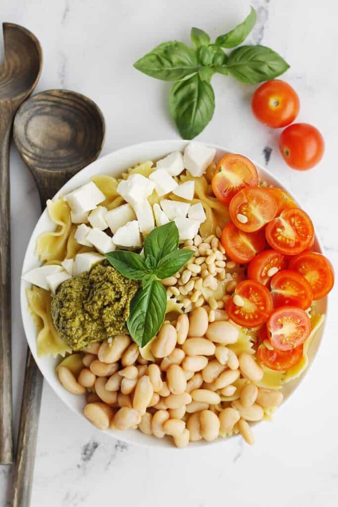 Caprese pasta salad with white beans