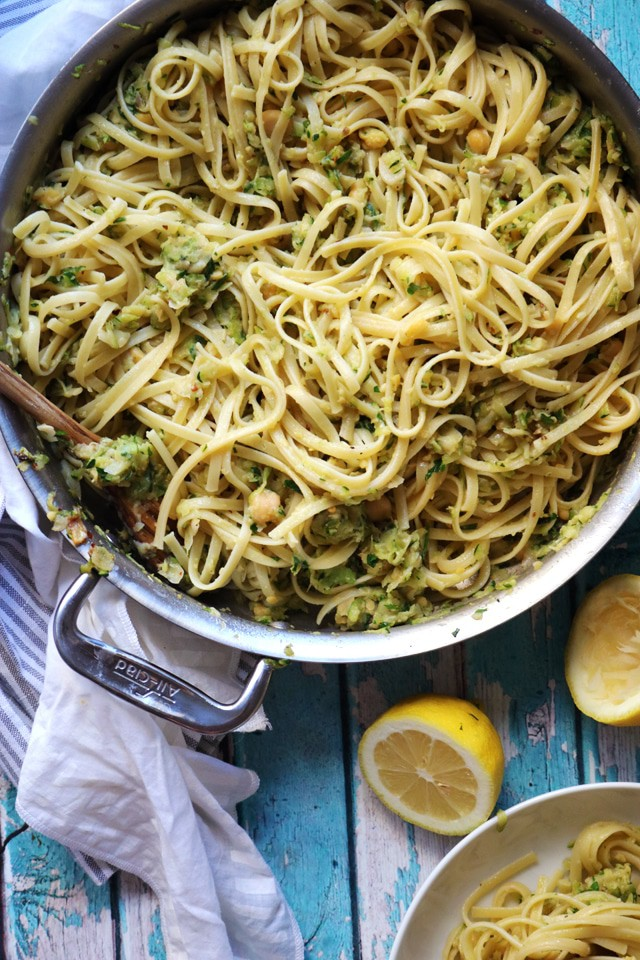 Linguine with chickpeas and zucchini