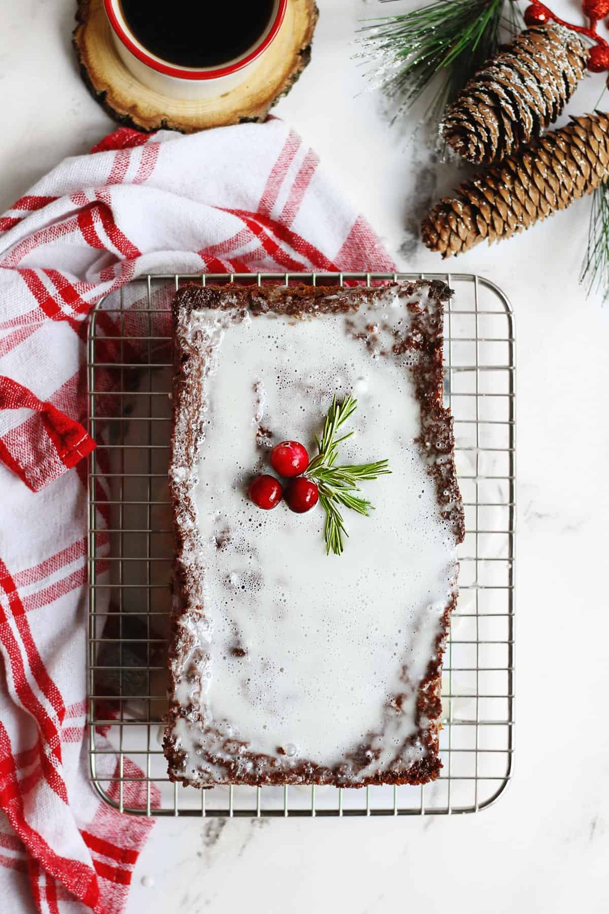 Gingerbread with fresh ginger