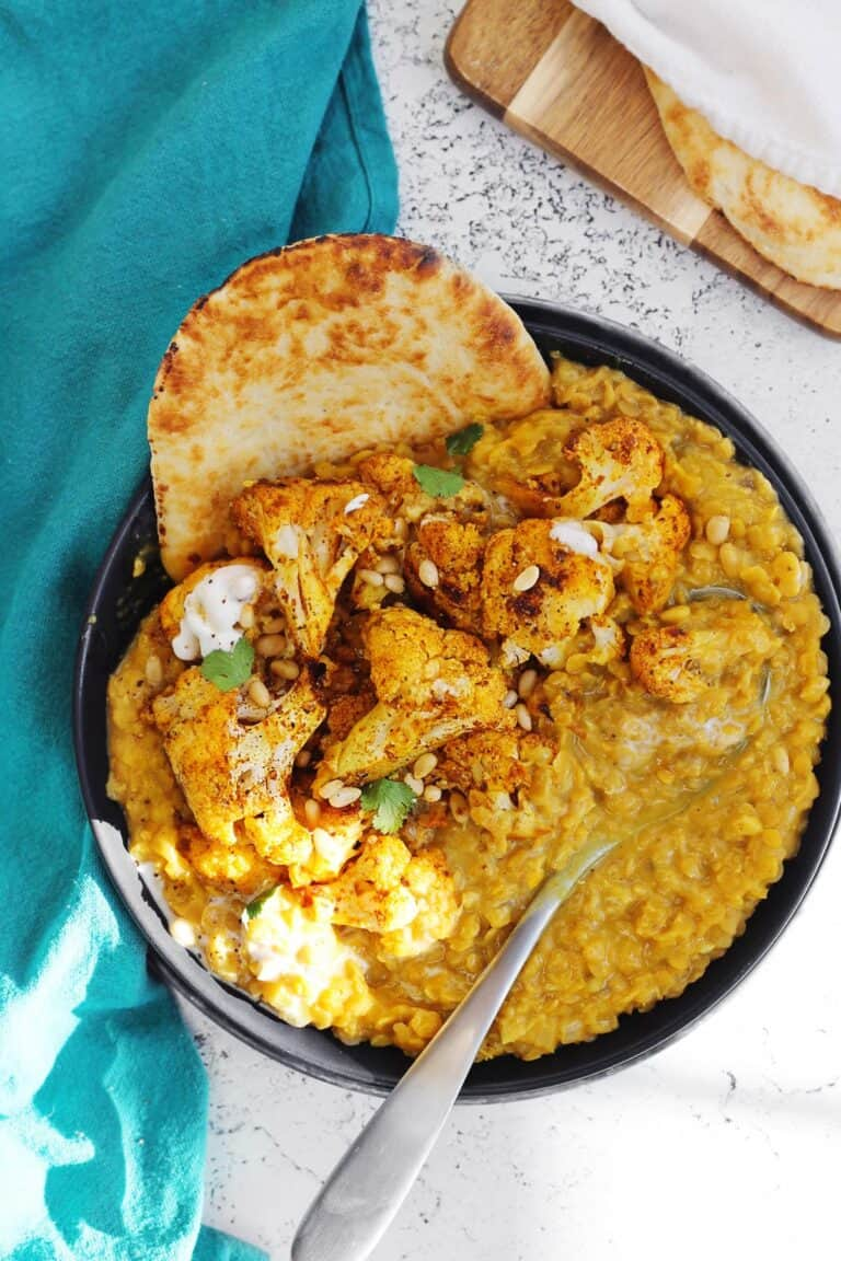 Coconut curry lentils and cauliflower with naan
