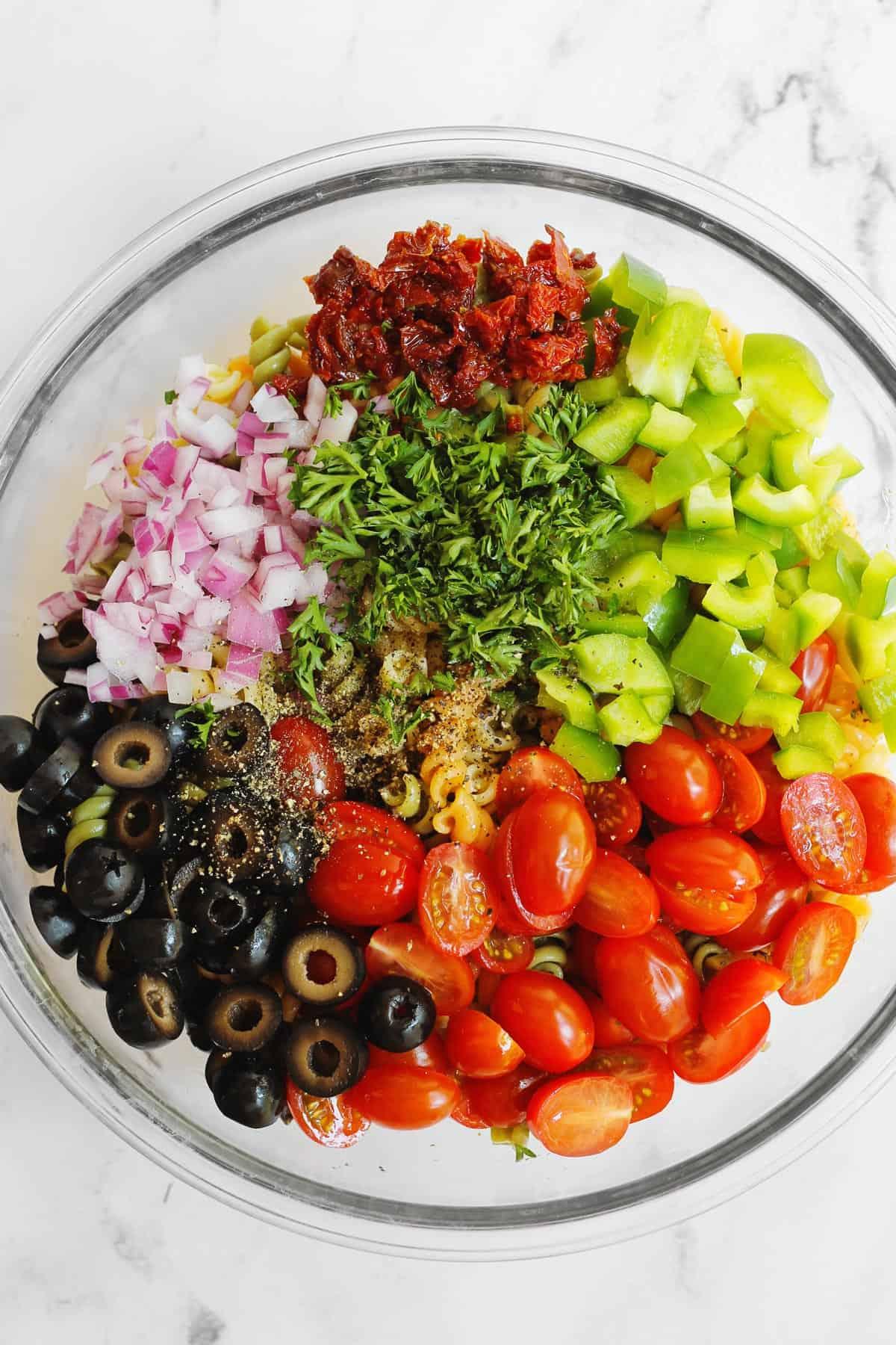 Veggie pasta salad ingredients
